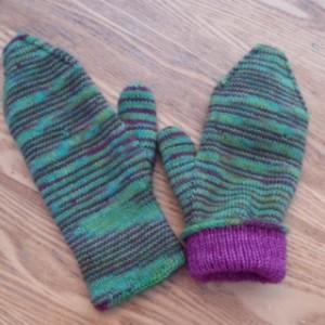Mia's mitts